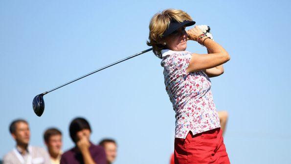 Esperanza-Aguirre-jugando-golf_TINIMA20120917_0254_3